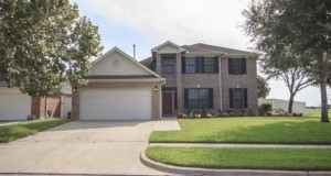 Homes-for-sale-119-Village-Green-Victoria-TX-77901