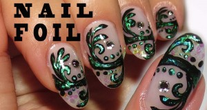 Antique Green Using Nail Foil Simple  Arabesque Nail Design